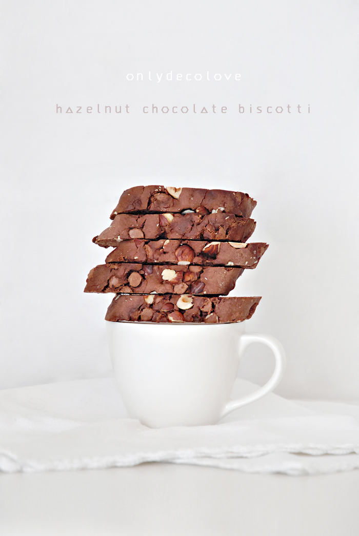 Chocolate+Hazelnut+Biscotti+onlydecolove1.png