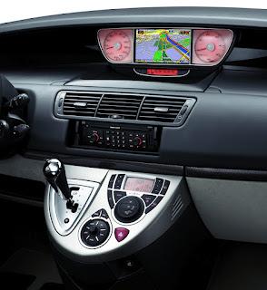 Peugeot 807-MPV 2013.jpg
