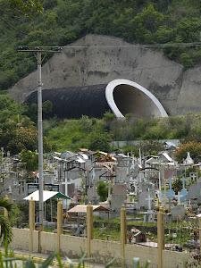 construcción ferroviaria y cementerio