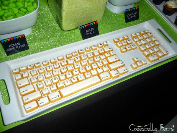 Sweet table Geek sablés décorés clavier