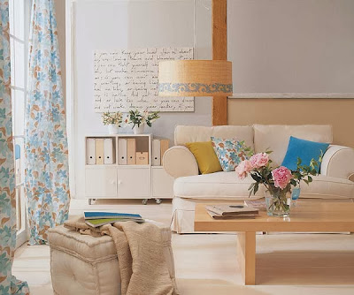 Desain Ruang Tamu Kasual Tradisional Keren