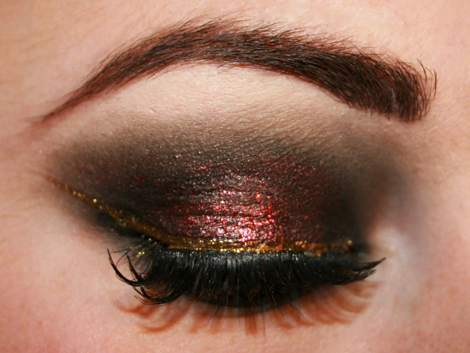 The main products I used in this look, as always are the Sleek iDivine ...