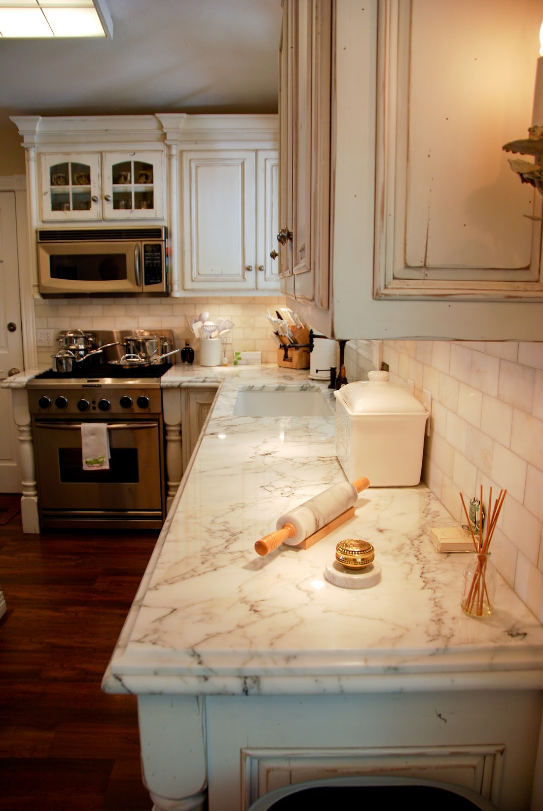 The Granite Gurus Calacatta Gold Marble Kitchen: italian marble backsplash