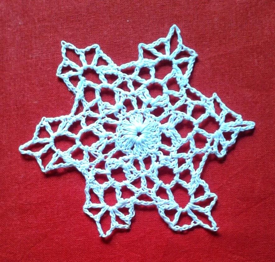 Free Crochet Snowflake Doily Pattern : Free snowflake crochet pattern ~ Free Crochet Patterns