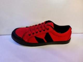 Sepatu Macbeth Vegan merah