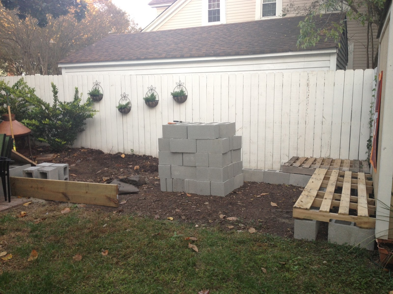 DIY Pallet Sectional Patio Furniture