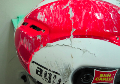kondisi terakhir helm simoncelli setelah kecelakaan