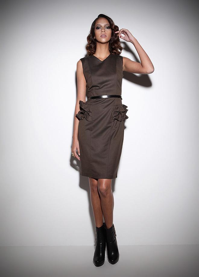 siyah kolsuz ofis elbisesi