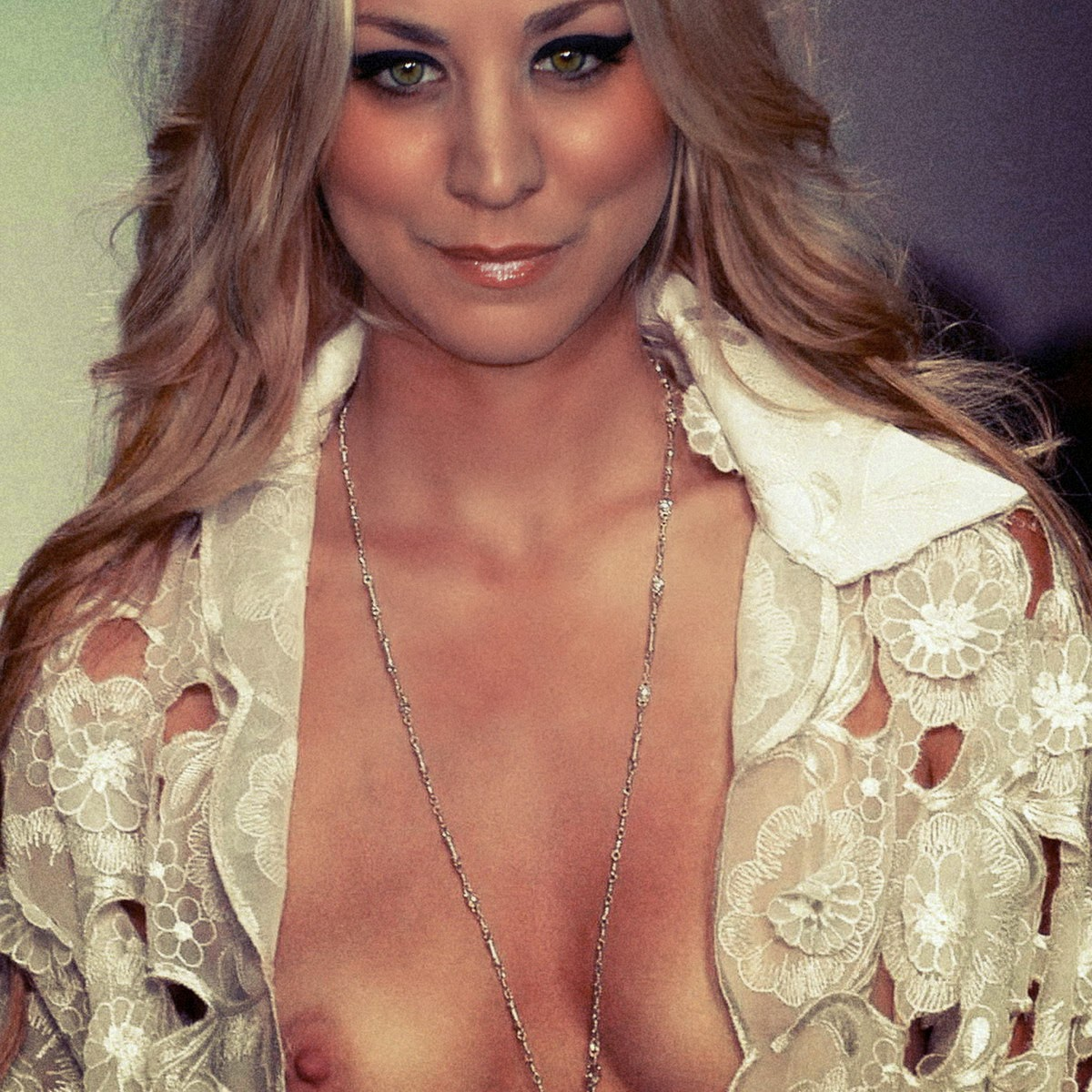 Kaley Cuoco Red Carpet