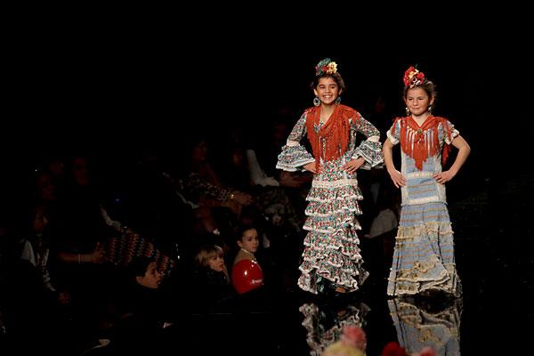 Alicflor moda y desfile flamenca infantil menuda - Disenadores de sevilla ...