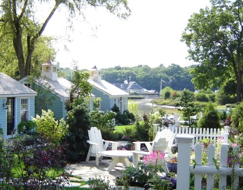 coolest cottages tours rentals more the cabot cove vacation cottages in kennebunkport maine. Black Bedroom Furniture Sets. Home Design Ideas
