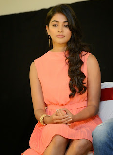 Actress Pooja Hegde Pictures in Short Dress at Oka Laila Kosam Prerelease Press Meet  5.jpg
