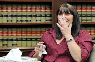 Deborah Steven Orang Yang Dipecat Karena Menolong Orang Lain
