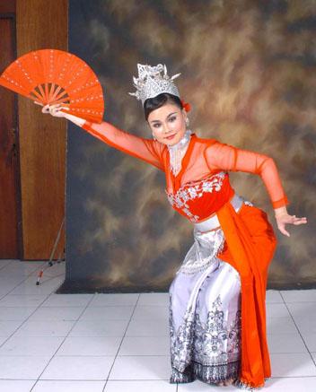 Busana Tari Jaipong