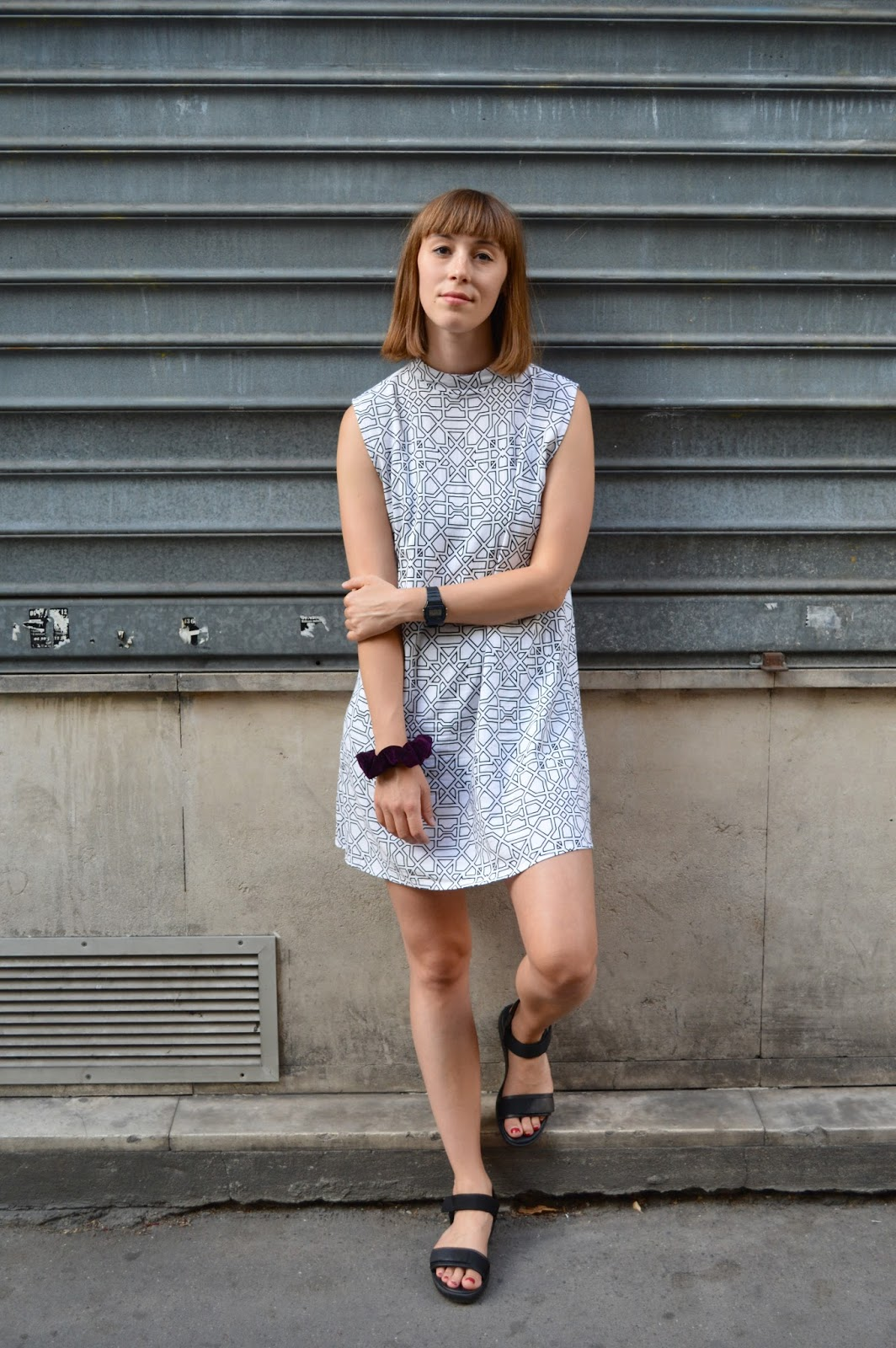 How to style Motel Rocks Geo Maze monochrome dress with Vagabond sandals