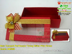 Box Tempat Perhiasan Tutup Mika Pita Emas