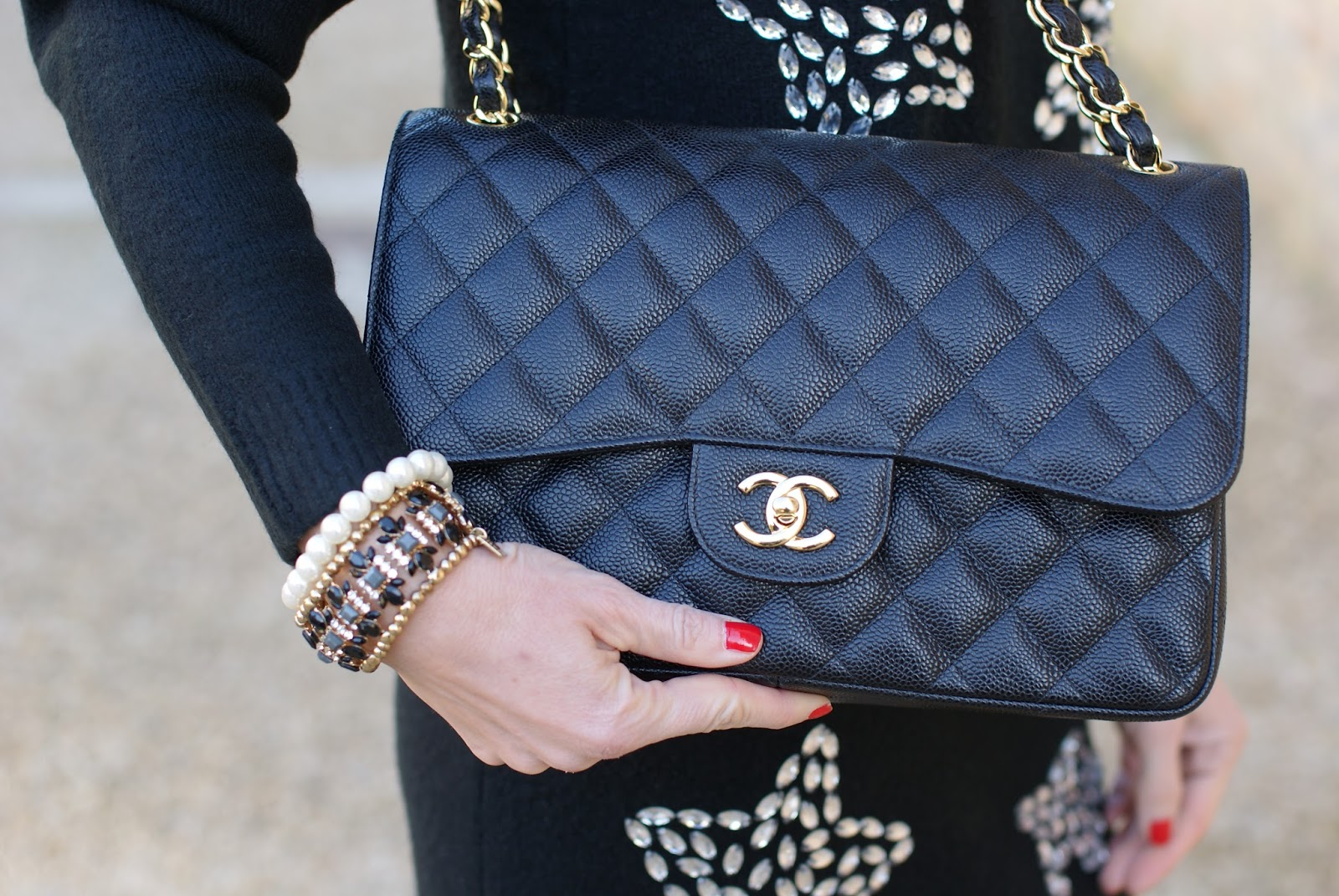 Chanel 2.55 caviar leather bag on Fashion and Cookies fashion blog, fashion blogger style
