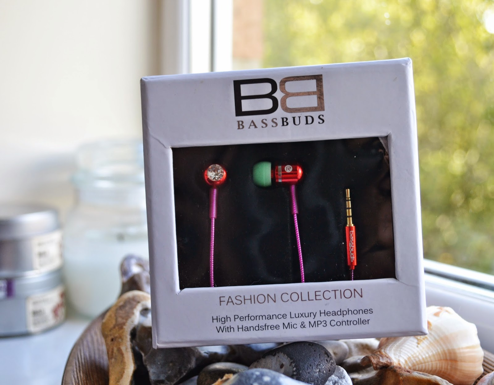 BassBuds Fashion Collection Headphones in Harmony - Aspiring Londoner