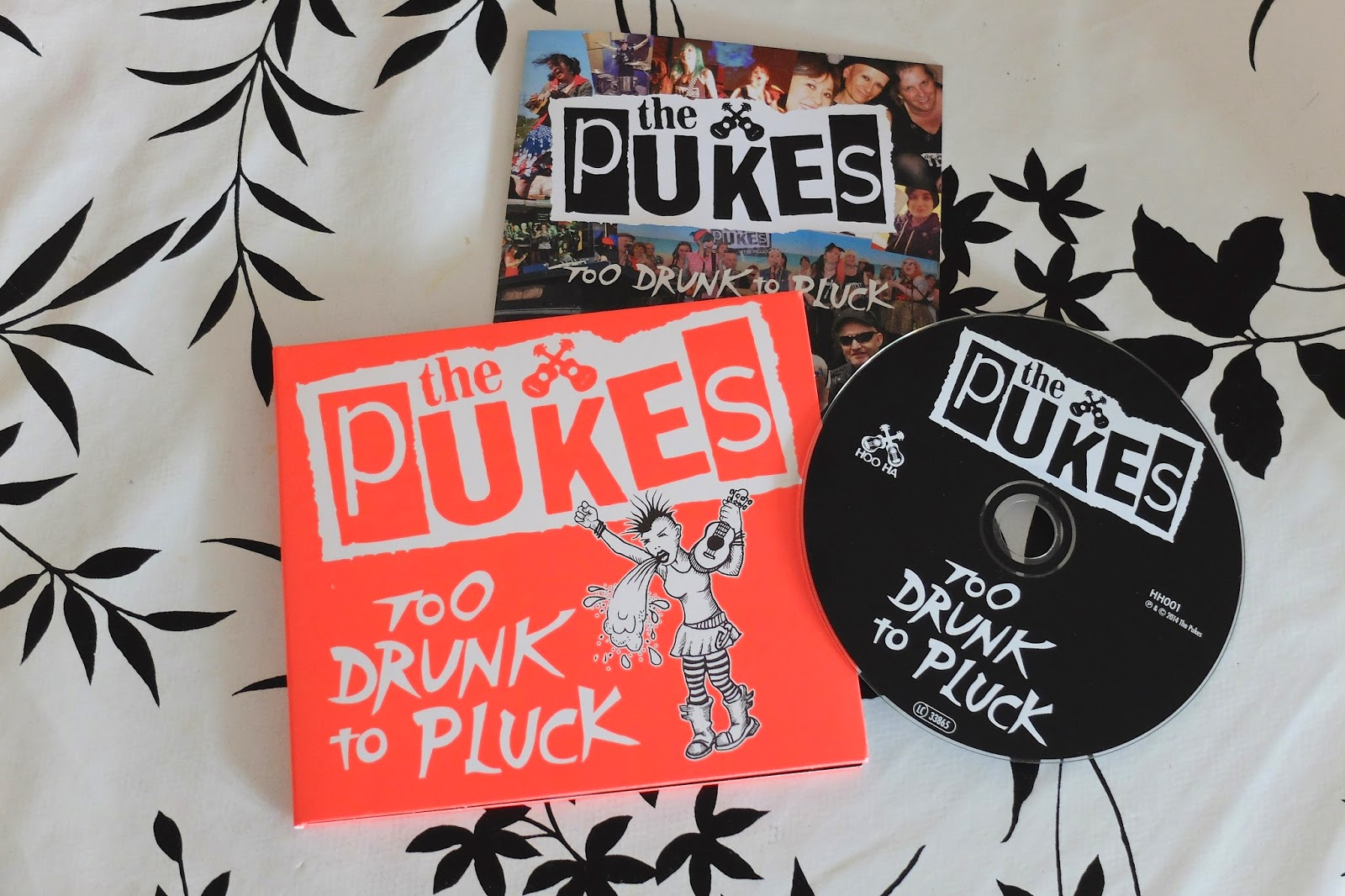 The pUKEs ukulele CD Too Drunk To Pluck