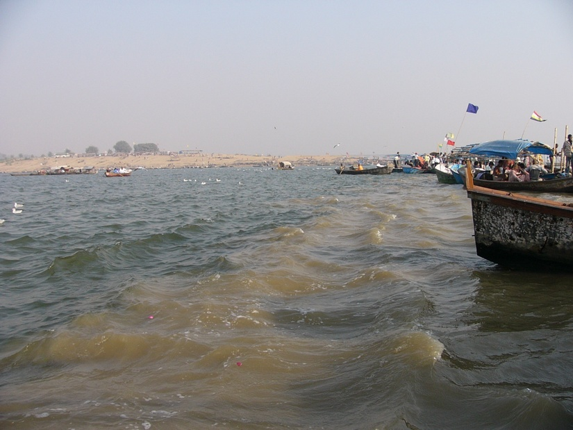 where does ganga and yamuna meet