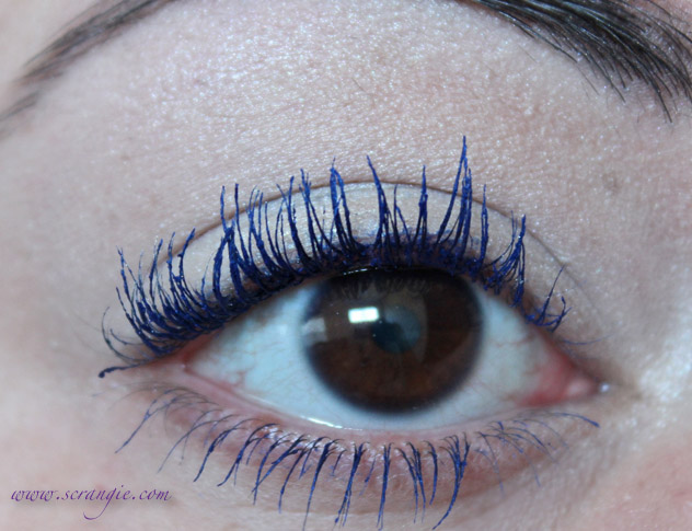 Navy Mascara Blue Eyes photos