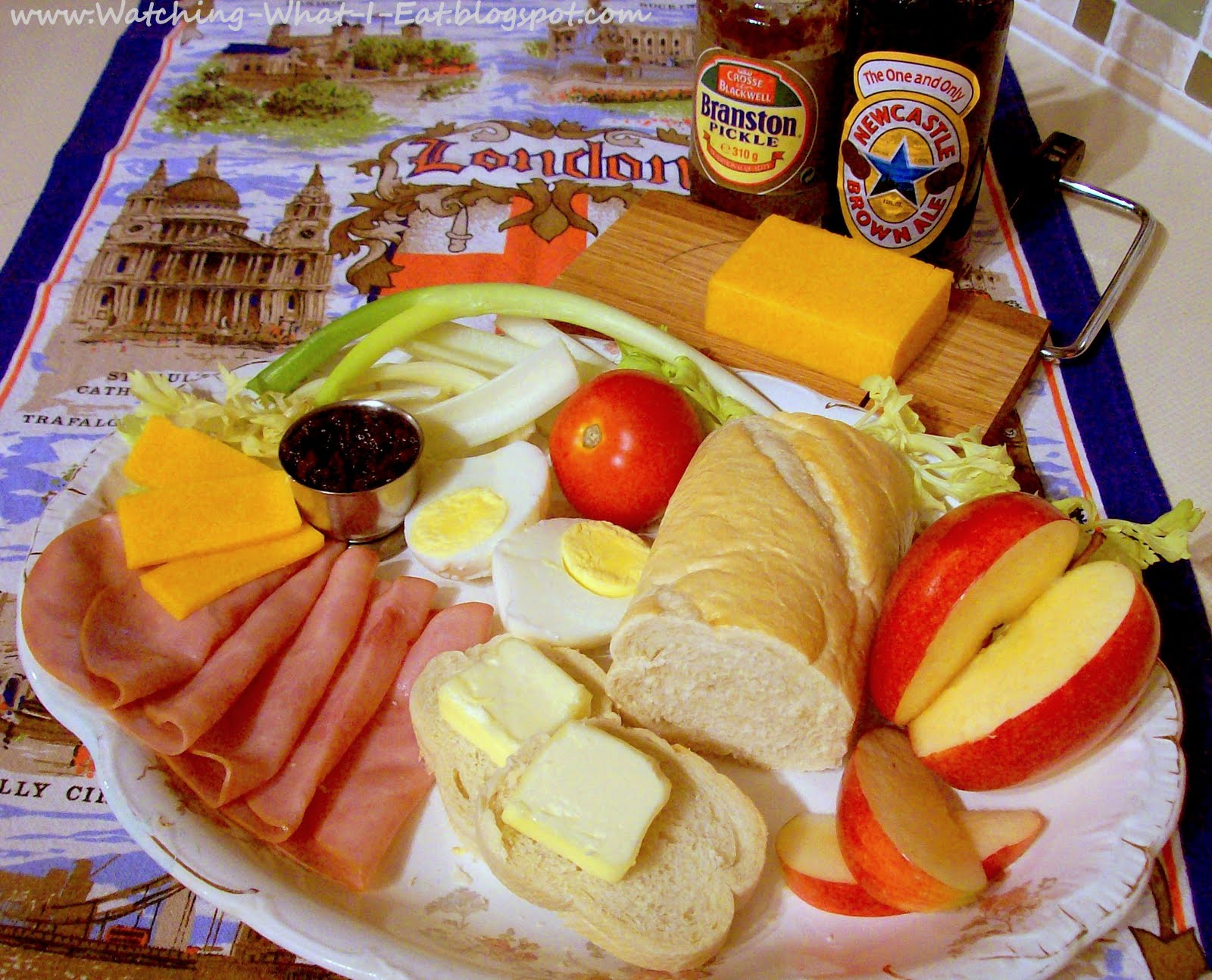 Watching what i eat ploughmans lunch how to enjoy a traditional ploughmans lunch you can create this traditional pub grub meal no matter where you are its so quick easy to make at home so enjoy it today forumfinder Images