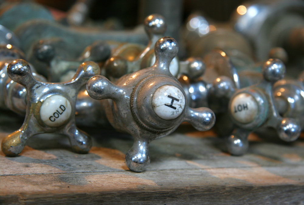 Nessy Designs: Antique Faucet Handles