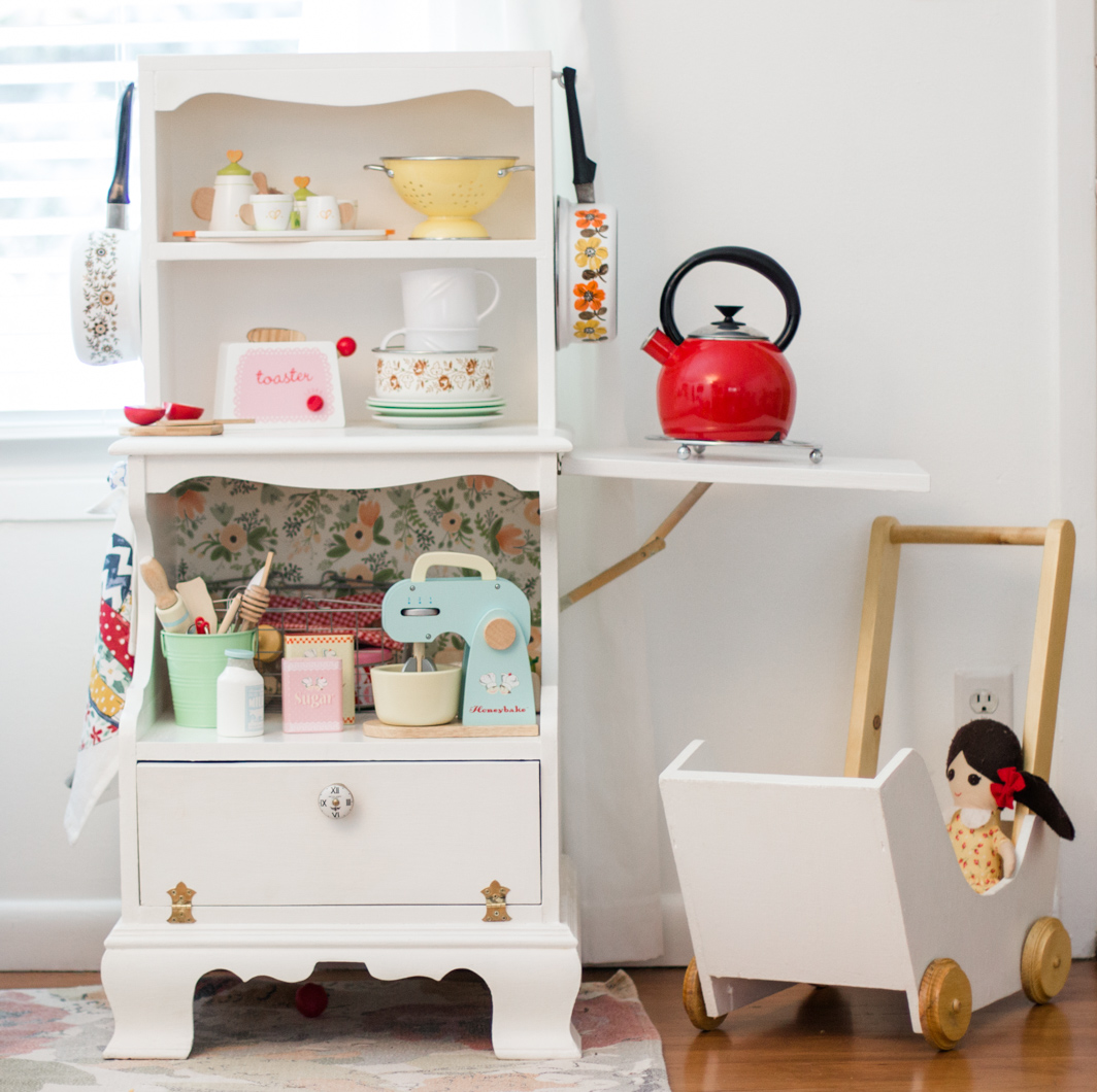 The Leishman Chronicles: DIY Play Kitchen