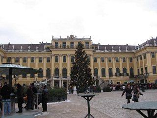 Schonbrunn in winter