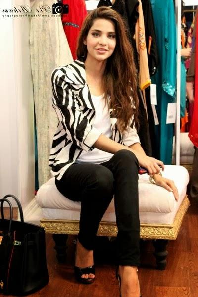 Sana Sarfaraz Latest Images gallery