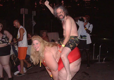 foto de hombre montando a una chica gorda rubia en brasil