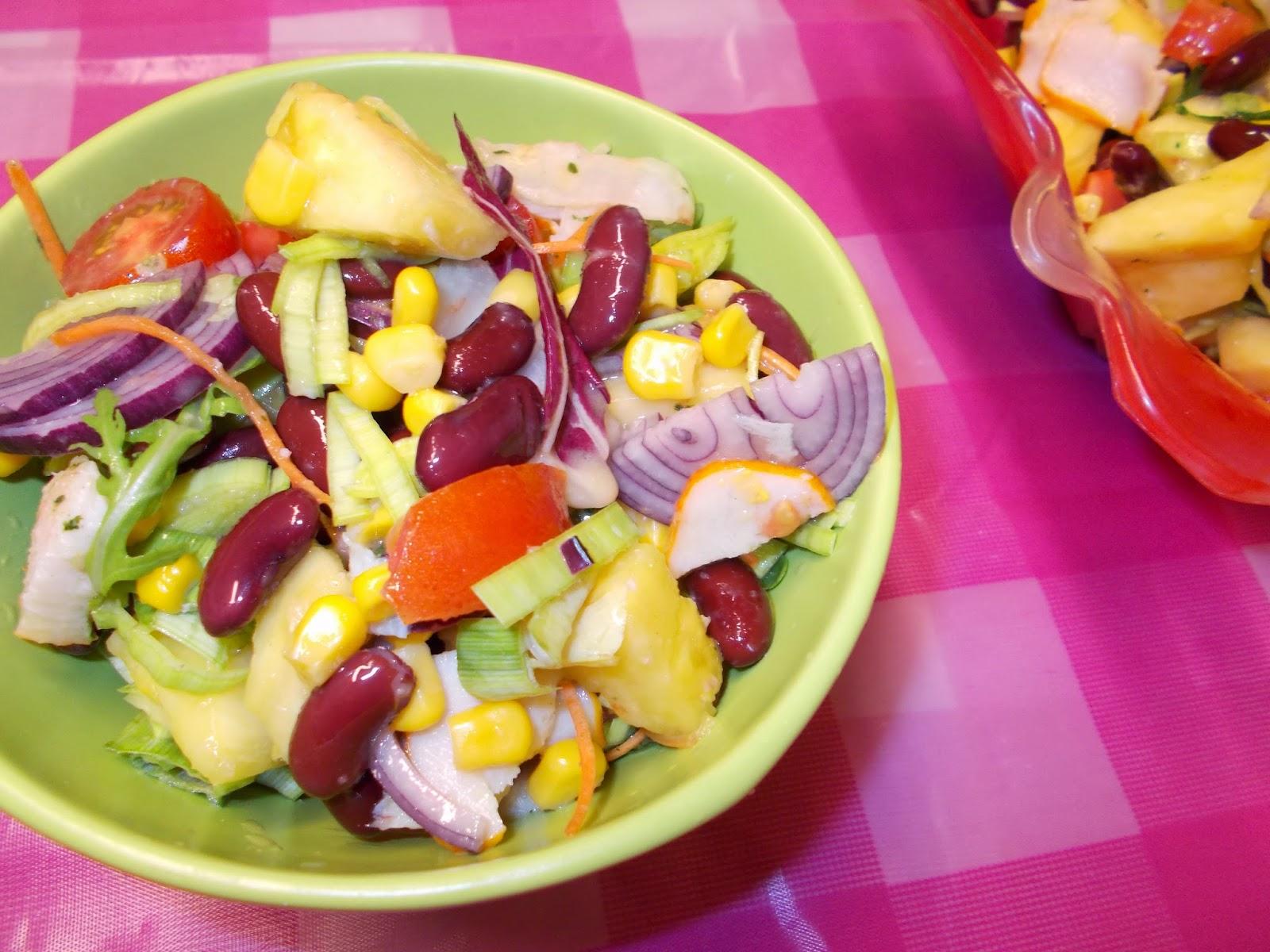 Salata din piept de pui afumat