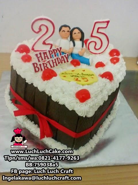 kue tart bentuk hati