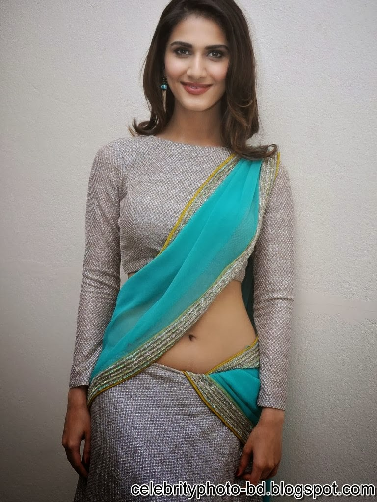 vaani+kapoor+hot+navel+photos+at+aaha+kalyanam+movie+press+meet012