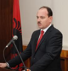 Bujar Nishani è presidente dell'Albania