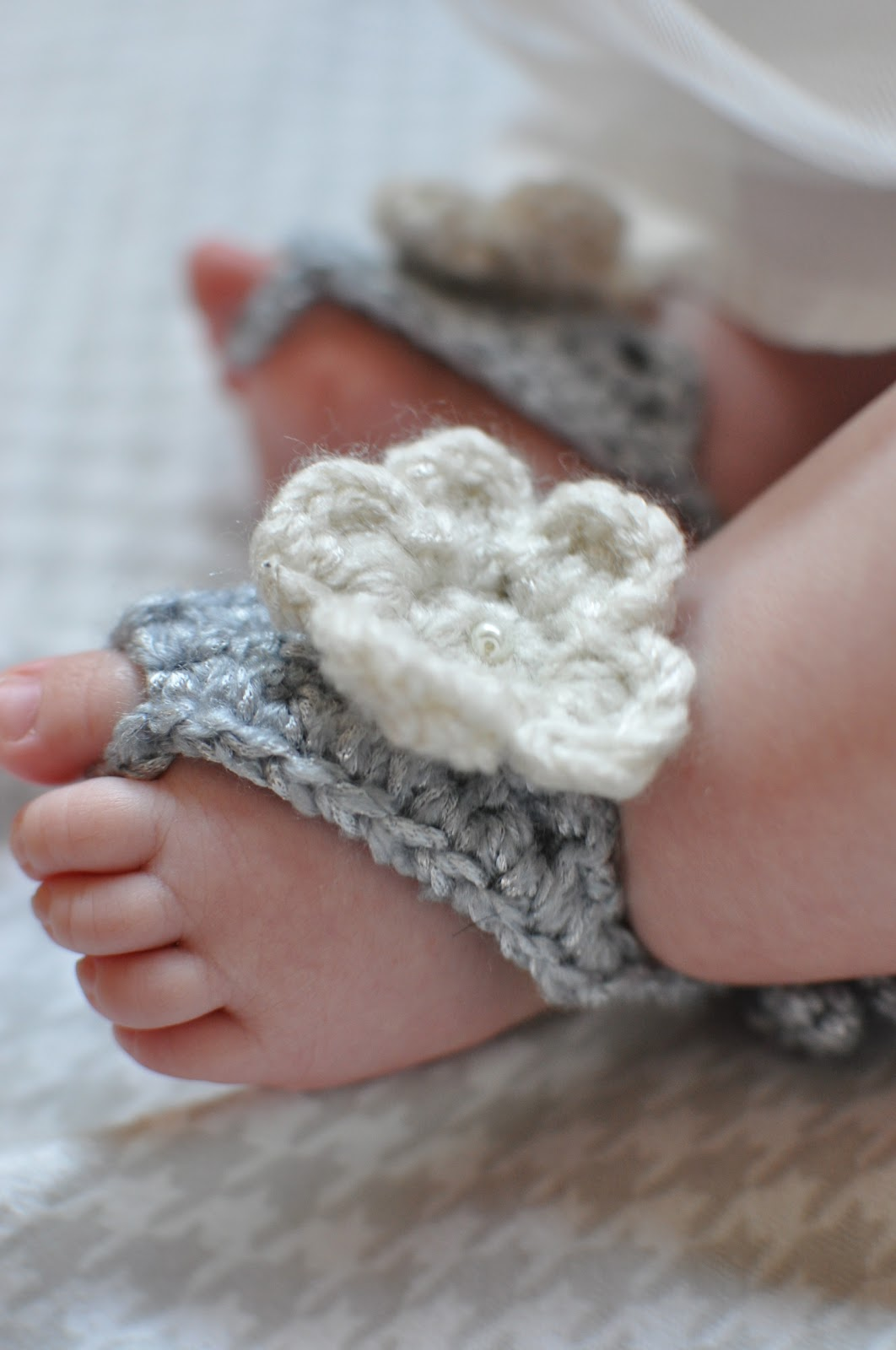 Crochet Pattern For Baby Barefoot Sandals : The Misadventures of Handmade: Barefoot Baby Sandals