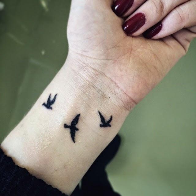 tatuajes mujeres muñeca