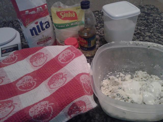 esfihas de queijo