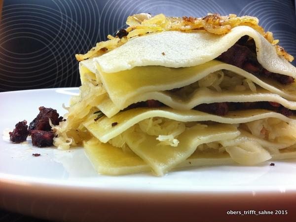 Lasagne mit Blutwurst und Sauerkraut