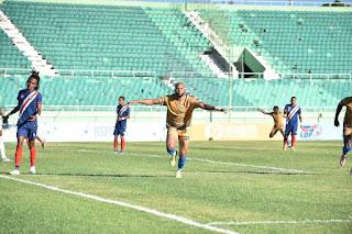 O&M FC aventaja 0-2 a Delfines tras ida en la final de LDF 2020