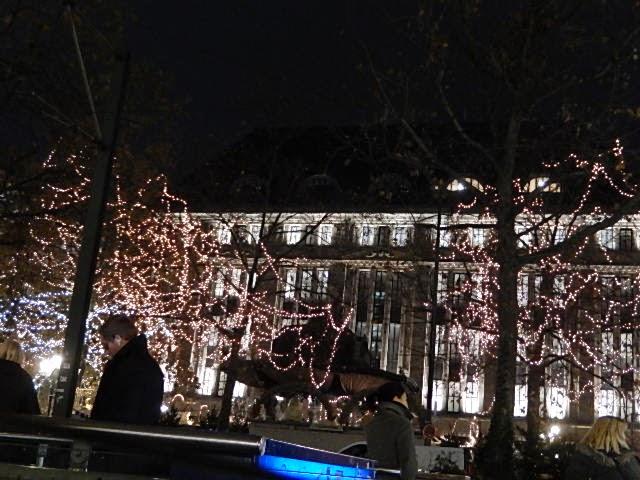 http://www.rp-online.de/nrw/freizeit/weihnachtsmarkt/weihnachtsmaerkte-in-nrw-aid-1.4668690