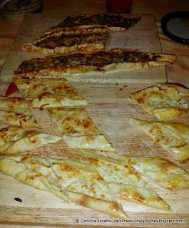 Turkish Pide: Ground Beef and Peynirli Pide - Pizza Estilo Turco (Turkey)