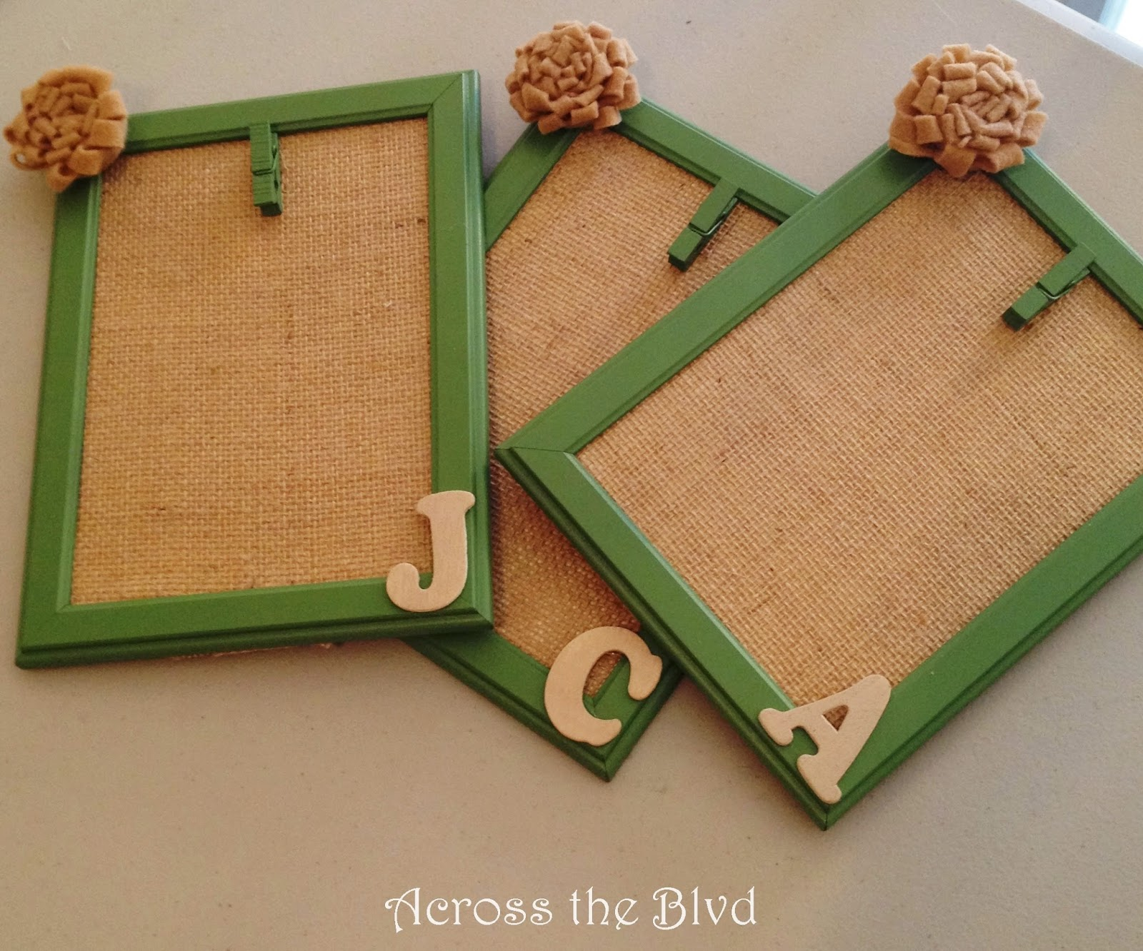 Framed Burlap for quickly changing photos