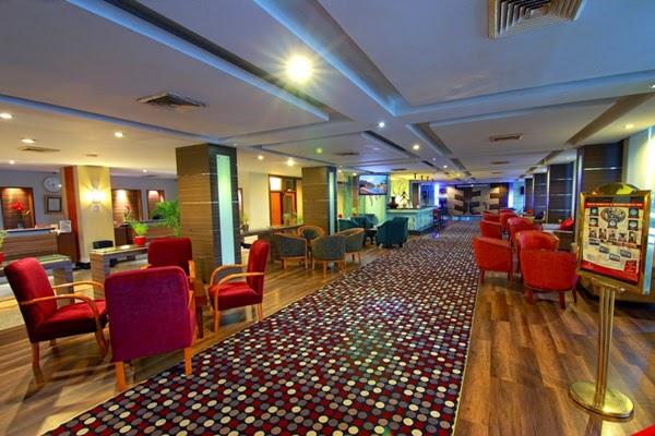Maninjau Lounge Pangeran Beach Hotel Padang