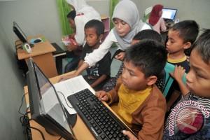 Banyak orangtua tak paham bahasa internet