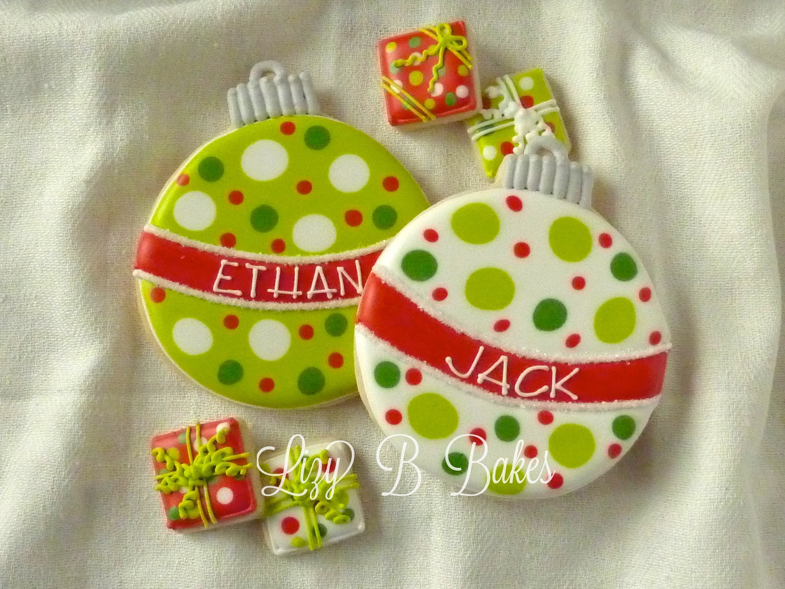 Ornaments with names on them - My Favorite Personalized Christmas Cookies
