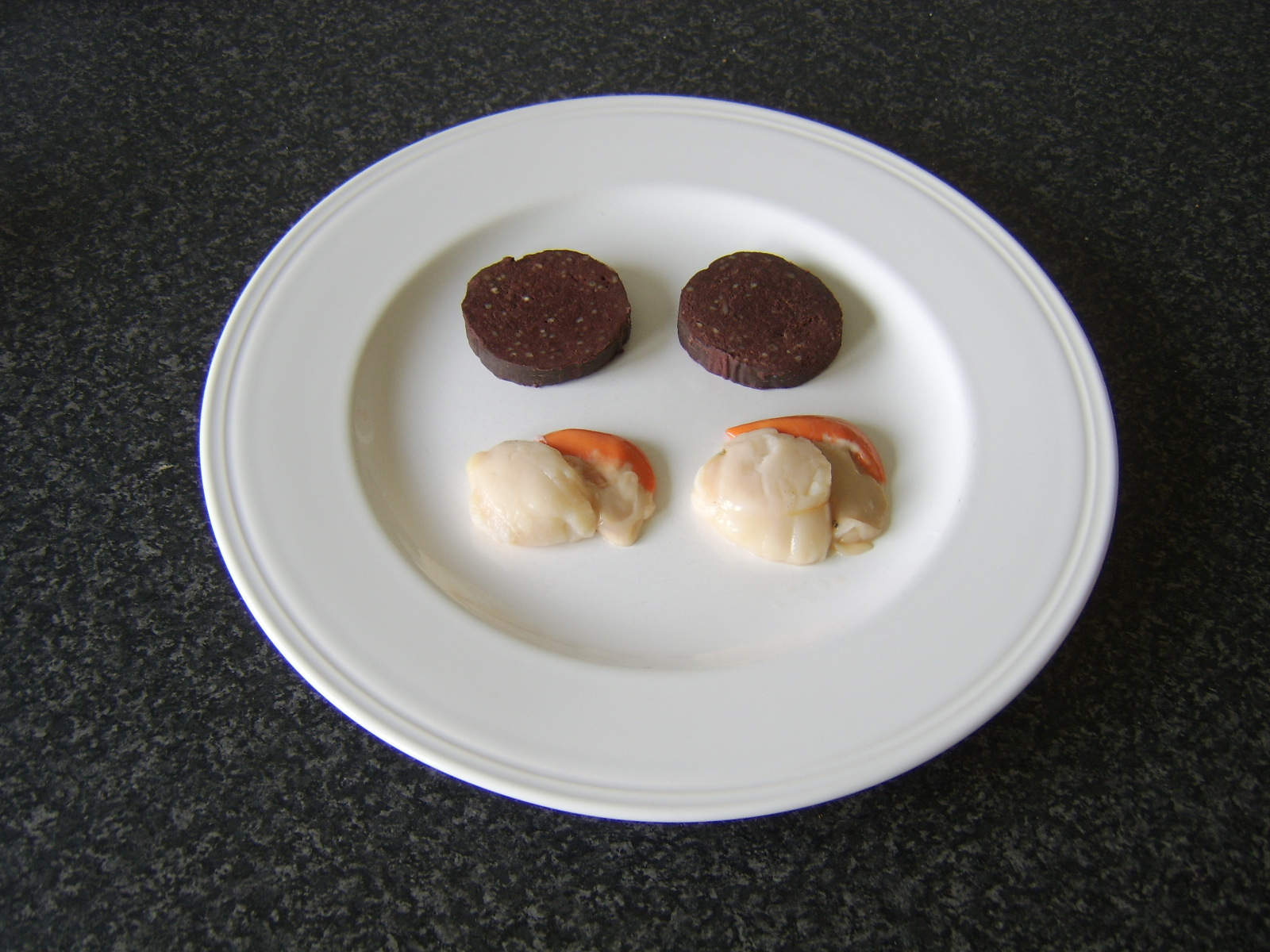 how to serve scallops and black pudding