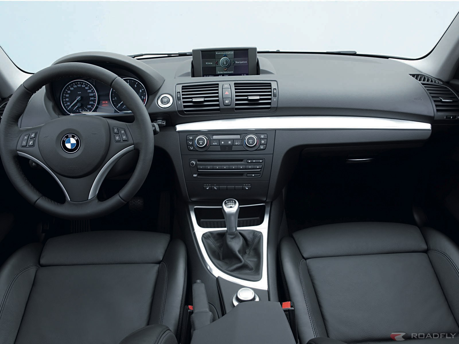 This bmw 4 series gran coupe reveals its interior with for Bmw serie 9 interieur