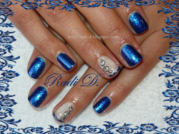 nails blue christmas