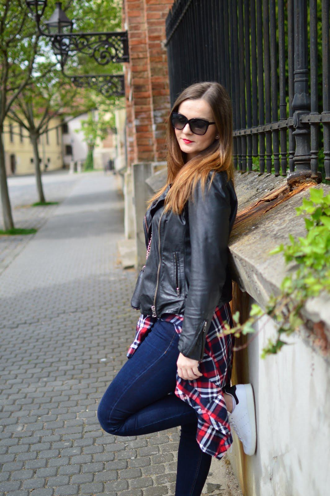 blogger, makeup artist & fashion stylist